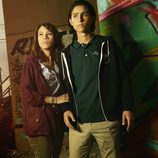 Elizabeth Rodríguez y Lorenzo James Henrie en 'Fear The Walking Dead'