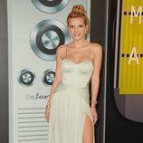 Bella Thorne en la alfombra roja de los VMA