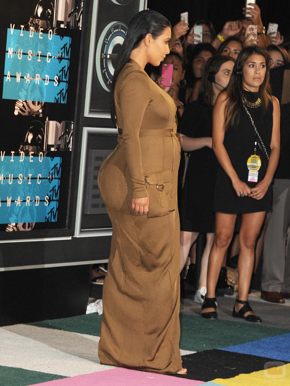 Kim Kardashian y su poco favorecedor perfil en los VMA 2015