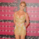 Britney Spears posa en la alfombra roja de los MTV VMA 2015