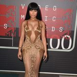 Nicki Minaj posa en la alfombra roja de los VMA's 2015