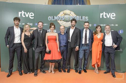El reparto de 'Olmos y Robles' posó en el FesTVal