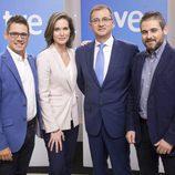 Cañada, Martínez, Carreño y Martín, presentadores del informativo de fin de semana