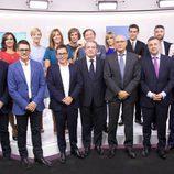 Directivos y presentadores posan para la presentación de la temporada de informativos de TVE