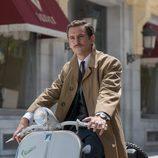 Raúl Arévalo interpreta al nuevo secretario, Víctor, en la nueva temporada de 'Velvet'