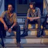 Andrew Lincoln y Chandler Riggs son Rick y Carl Grimes en la sexta temporada de 'The Walking Dead'