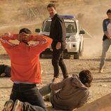El equipo de Héctor detiene una pelea en Campoamargo en 'Mar de plástico'