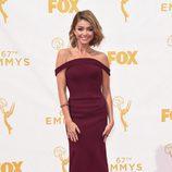 Sarah Hyland en la alfombra roja de los Emmys 2015