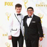 Rico Rodriguez y Nolan Gould en los Emmy 2015