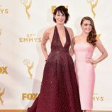 Maisie Williams y Lena Headey en los Emmy 2015