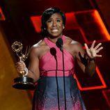 Uzo Aduba, entre lágrimas, en los premios Emmy 2015