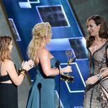 Una espectacular Allison Janney recogió su premio Emmy 2015