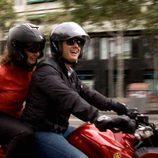 Ana Rosa y Albert Rivera (C's) montan en moto