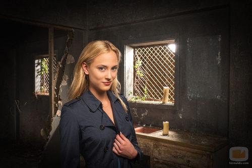 Nora Arnezeder interpreta a Chloe Tousignant en 'Zoo'