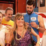 Merche interpreta a una chica que se parece mucho a la famosa cantante en 'Gym Tony'