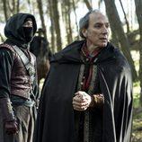 Malasangre y Gonzalo de Montalvo en el bosque en 'Águila Roja'