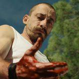 El rastro de sangre en las manos de Crespo en 'Rabia'