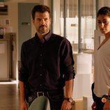 Lola y Héctor analizan todas las pruebas en el cuartel en 'Mar de plástico'