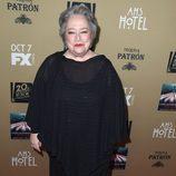 Kathy Bates posó ante las cámaras en la premiere de 'AHS: Hotel'