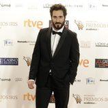 Álex Gadea pasa por la alfombra de los Premios Iris 2015