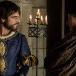 Francisco I de Francia con Mercurino Gattinara en 'Carlos, Rey Emperador'