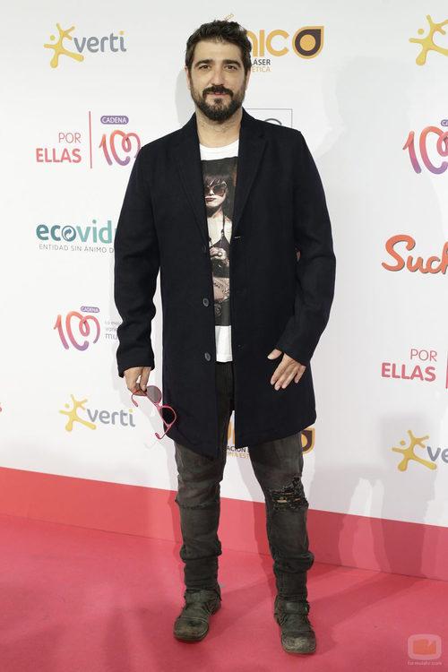 Antonio Orozco en la alfombra roja de 'Cadena 100 por ellas'