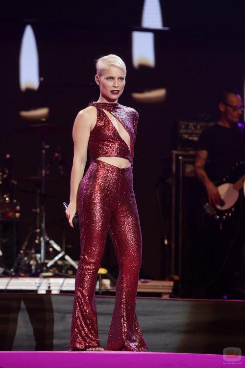 Soraya en el escenario de la gala de 'Cadena 100 por ellas'