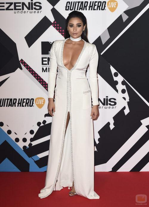 Shay Mitchell en los premios 'MTV EMAs 2015'