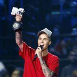 Justin Bieber recoge el premio de mejor artista masculino en los 'MTV EMAs 2015'