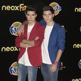 Los Gemeliers en la alfombra naranja de los Neox Fan Awards 2015