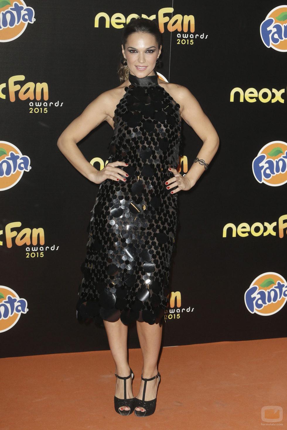 La Dama en la alfombra naranja de los Neox Fan Awards 2015