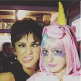 Anne Hathaway de unicornio rosa en Halloween 2015