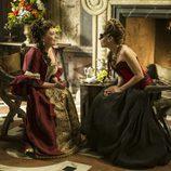 La Duquesa de Fournier y la Marquesa conversan en 'Águila Roja'