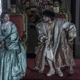 Isabel de Portugal y Carlos V en el salón real en 'Carlos, Rey Emperador'