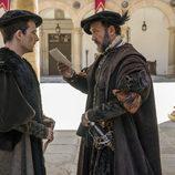 Hernán Cortes y Francisco de Borja en la corte en 'Carlos, Rey Emperador'