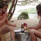 ''Dodo'' disfruta de su desayuno con Iolanda completamente desnudos en 'Adán y Eva'