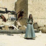 El elenco de soldados de 'La española inglesa' ruedan una escena de pelea