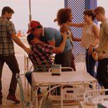 Salva, Lucas, Fara, Mar, Fernando y Sergio en 'Mar de plástico'