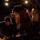 Héctor, Salva y Lola en la tierra en 'Mar de plástico'