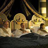 El Cardenal Mendoza, Sátur y Gonzalo en el capitulo 100 de 'Águila Roja'