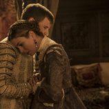 Isabel de Portugal abraza a Carlos V en el capítulo especial de 'Carlos, Rey Emperador'