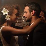 Lucas y Fara ya son marido y mujer en 'Mar de plástico'
