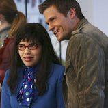 """Bailey Chase y America Ferrera en """"Voy a contarlo"""", capítulo de 'Ugly Betty'"""