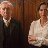 Doña Blanca y Emilio en 'Velvet'