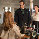Raúl de la Riva y Doña Blanca visitan los talleres de 'Velvet'