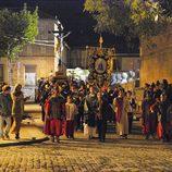 El pueblo al completo de 'El clavo de oro' en plena procesión
