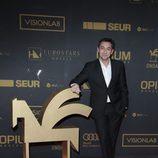 Javier Ruiz muy sonriente en el photocall de los Premios Ondas 2015