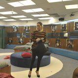 Raquel en las habitaciones de los concursantes de 'Gran Hermano 16'