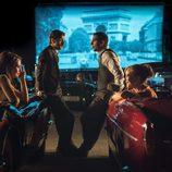 Mateo, Alberto, Ana y Clara en unos cines de verano en 'Velvet'