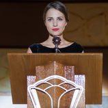 Ana da el discurso en la presentación de las galerías en 'Velvet'